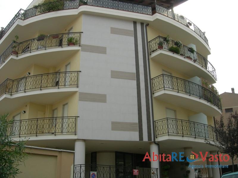 Affitto appartamenti vasto appartamento centralissimo for Contratto affitto appartamento arredato