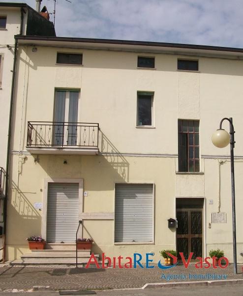Villa in vendita a Castel Frentano, 13 locali, prezzo € 280.000 | Cambio Casa.it