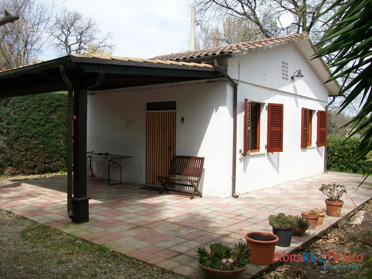 Villa singola in Affitto Vasto