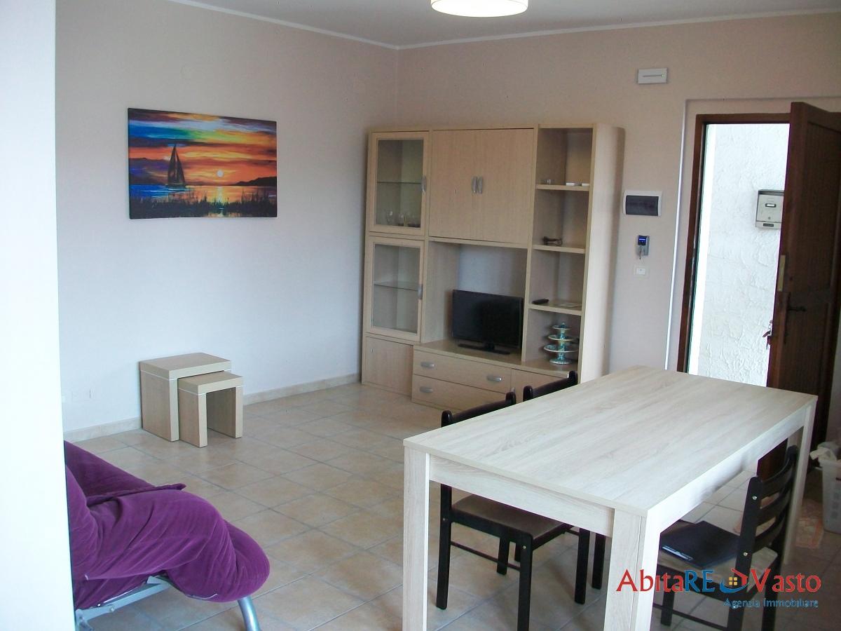 Affitto appartamenti vasto appartamento arredato sul for Contratto di locazione immobile arredato