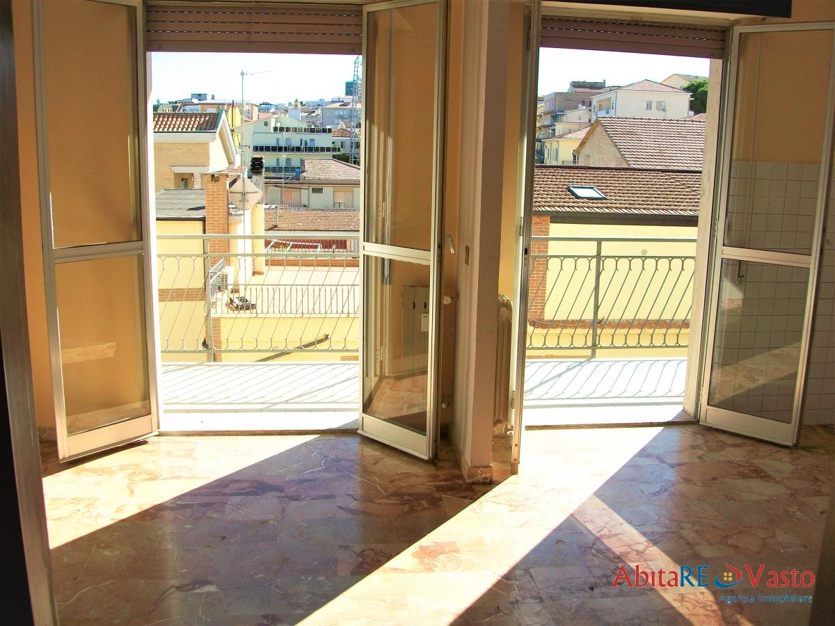Appartamento in affitto a Vasto, 5 locali, prezzo € 450 | CambioCasa.it